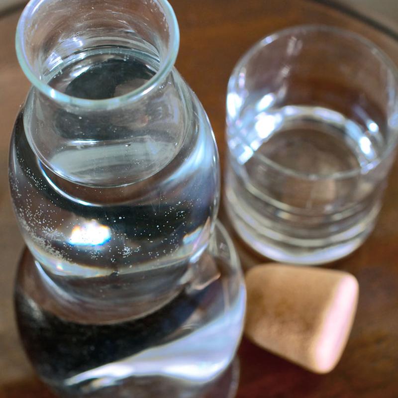 EAU CARAFE, carafe d'eau filtrante en verre