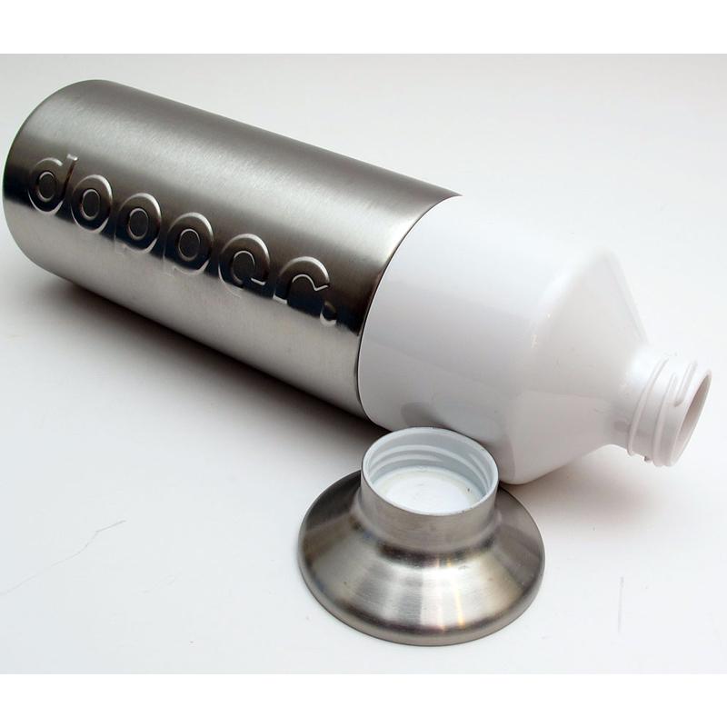 bouteilel avec gobelet intégré
