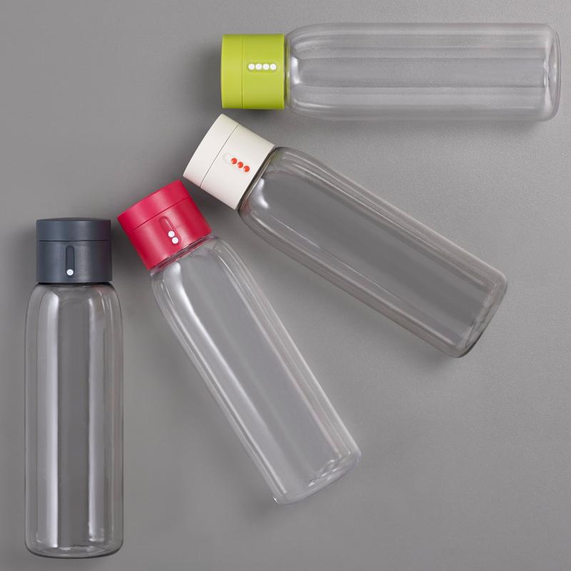 Dot une bouteille d 39 eau qui mesure votre consommation - Eau en bouteille vs eau du robinet ...