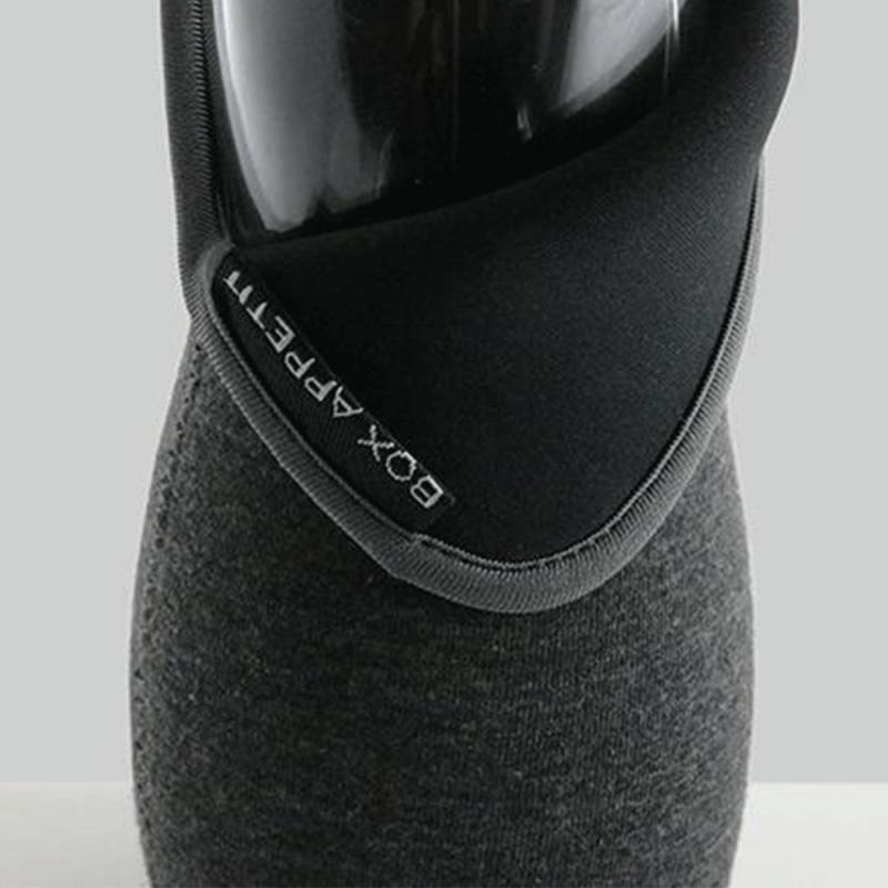 Gourdes avec charbons activés et housse de protection par Black blum