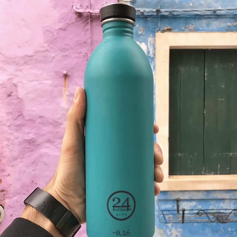 Gourdes réutilisables design by 24 Bottles, en inox, légères