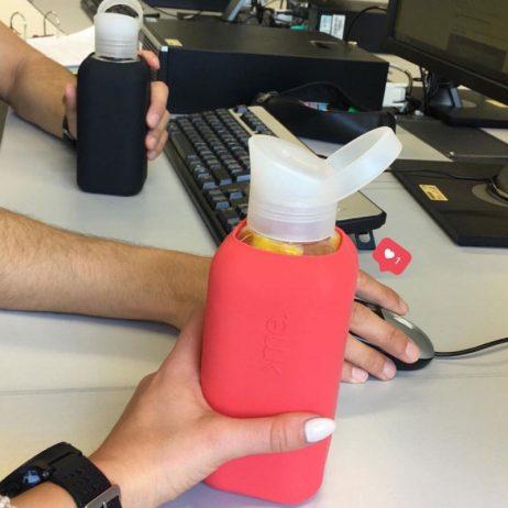 bouteille d'eau design avec housse