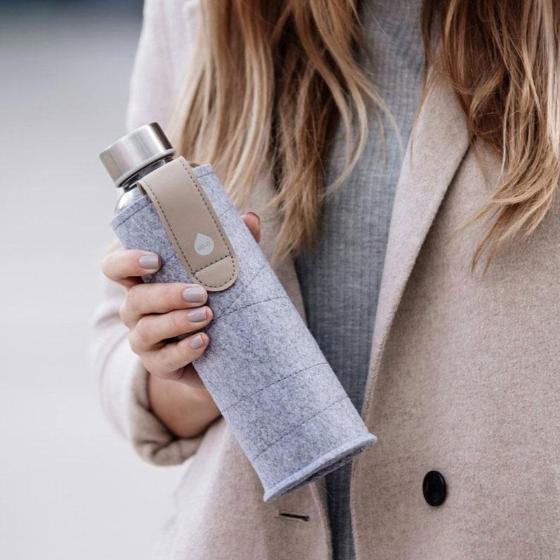 bouteille design avec housse feutre