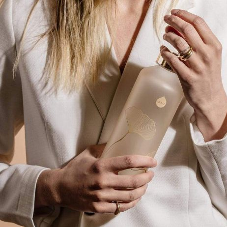 hydratation avec élégance avec cette bouteille en verre