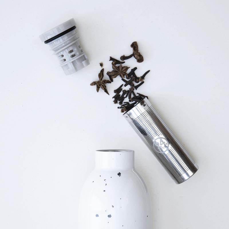 Gourdes d'infusion design by 24 Bottles, isotherme, avec filtre à thé amovible