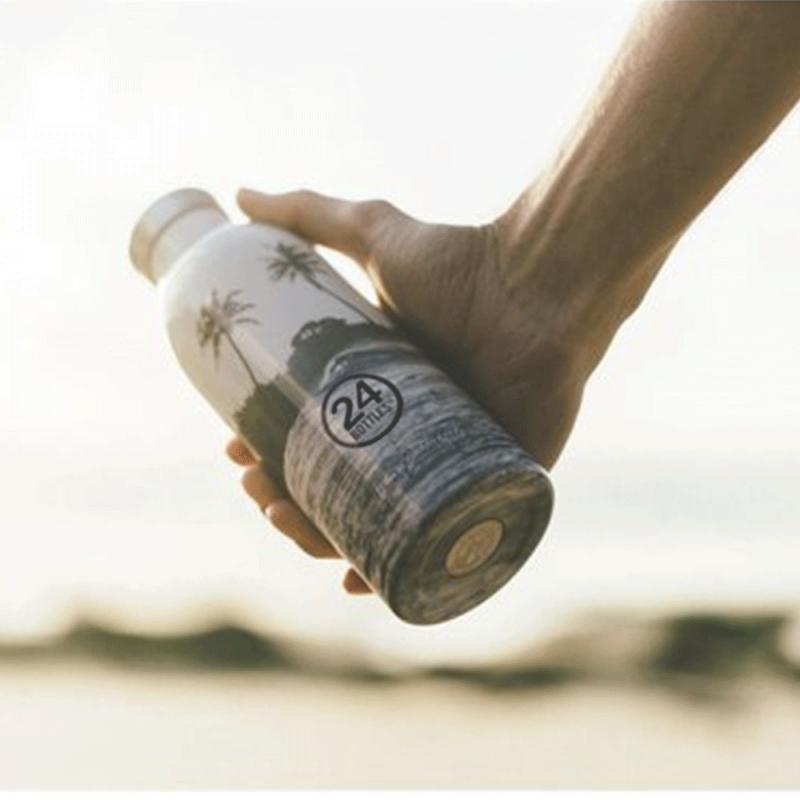 Bouteille design isotherme de 24 Bottles. Un design naturel et durable