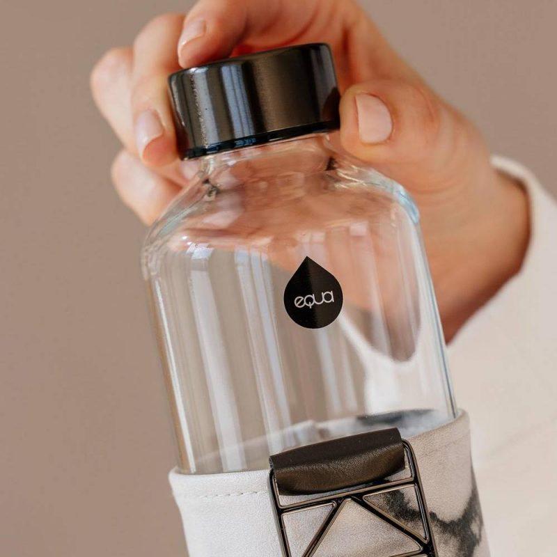 Bouteille en verre Myequa, une gourde design pour votre hydratation