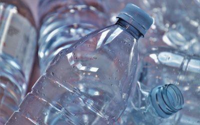 La distribution des bouteilles en plastique interdite dans les entreprises à partir de 2022