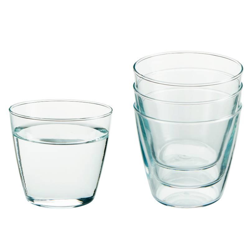 Verre à eau personnalisé en complément d'une carafe en salle de réunion